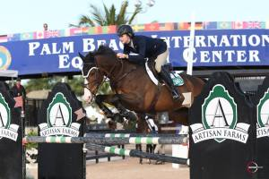 Lauren & Armani competing at WEF this past winter. Photo Courtesy of Lauren Mahoney.